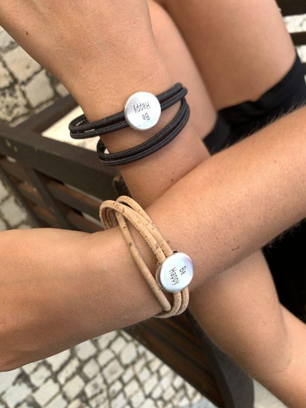 """""""Be Happy"""" Armbänder mit Silber Slider und Magnetverschluss: schlicht, elegant und natürlich."""